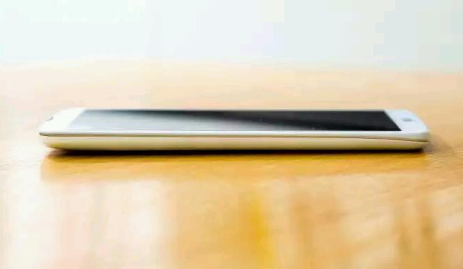 """Erste Bilder vom """"LG G Pro 2"""" bestätigen Tasten an der Rückseite"""