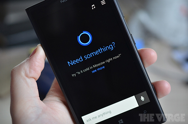 Cortana mit Halloween-Eastereggs