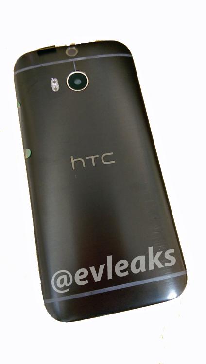 HTC One M8 zeigt sich im schwarzen Design