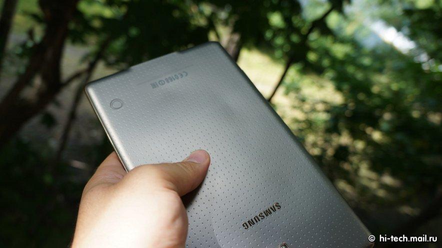 Rückseite des Samsung Galaxy Tab S 8.4 kann sich bei Hitze verformen