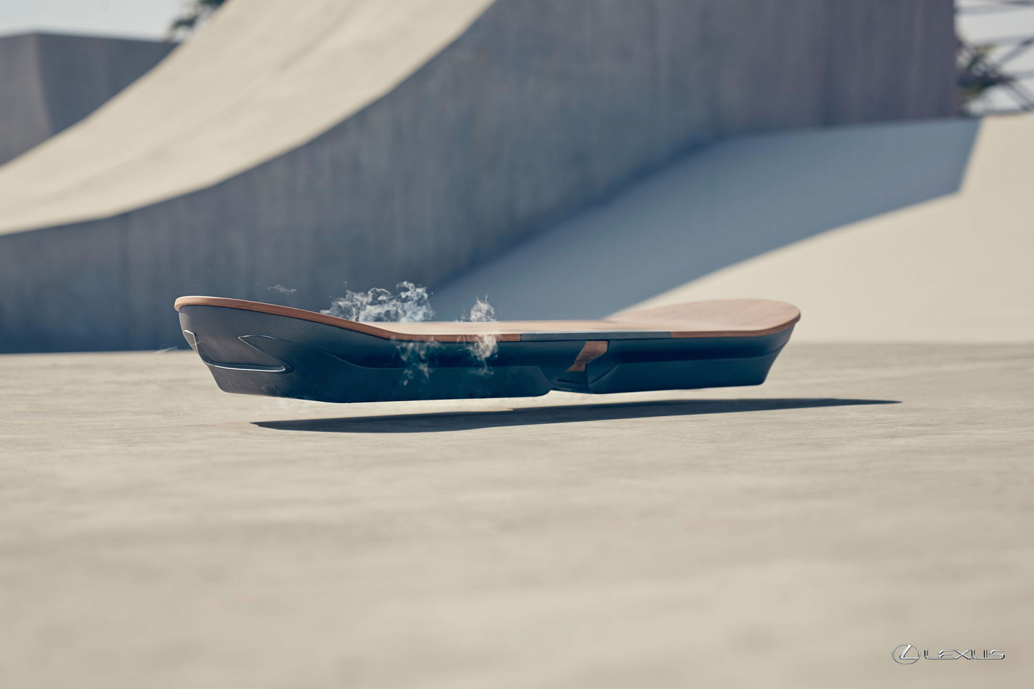 lexus baut ein hoverboard als prototypen video. Black Bedroom Furniture Sets. Home Design Ideas