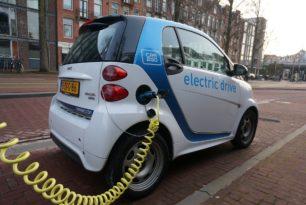 Schnellladenetz für eMobility – Telekom, BMW, Daimler, Ford und Volkswagen planen Ausbau