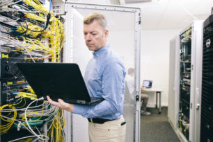 Deutsche Glasfaser: Minimum 300 Mbit/s für Bestands- und Neukunden